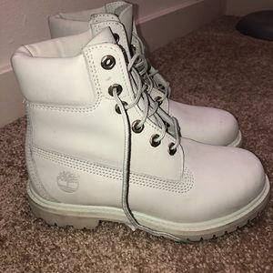 White timberland boots size 5.5